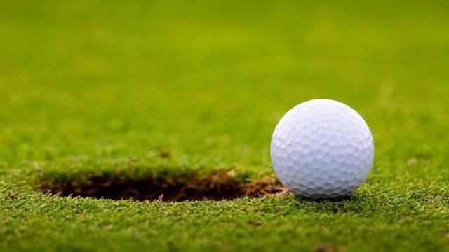 bóng golf nổi hay chìm