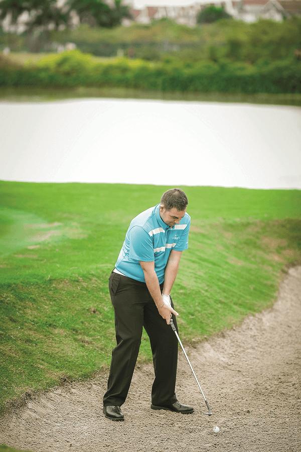 cách đánh cát golf