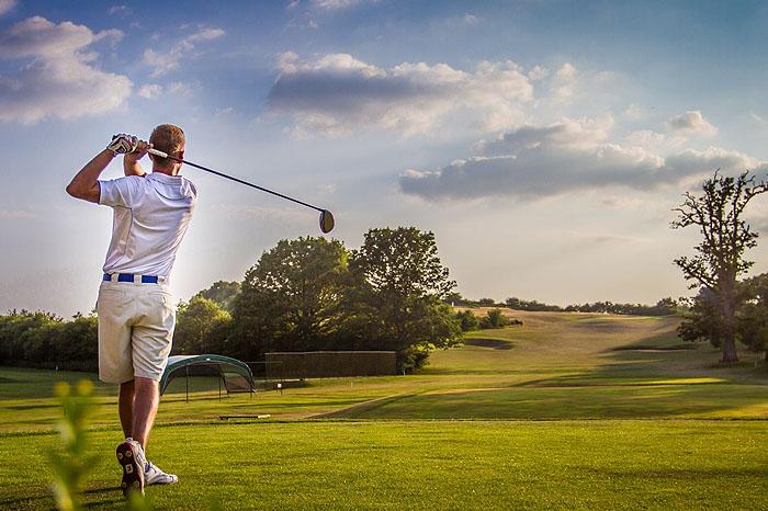 Mua dụng cụ chơi golf