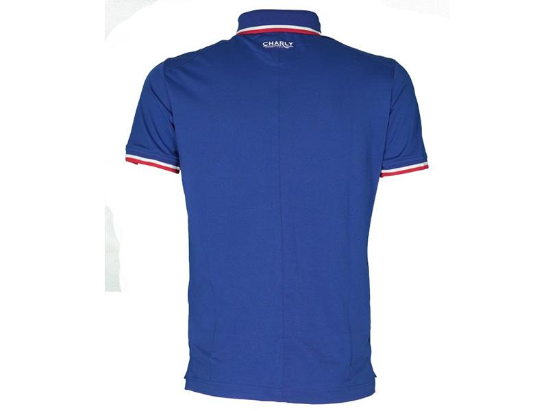 Mẫu áo được thiết kế với kiểu dáng hiện đại và thu hút