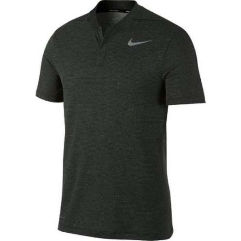 Mẫu áo thể hiện rõ phong cách thể thao, mạnh mẽ của người dùng