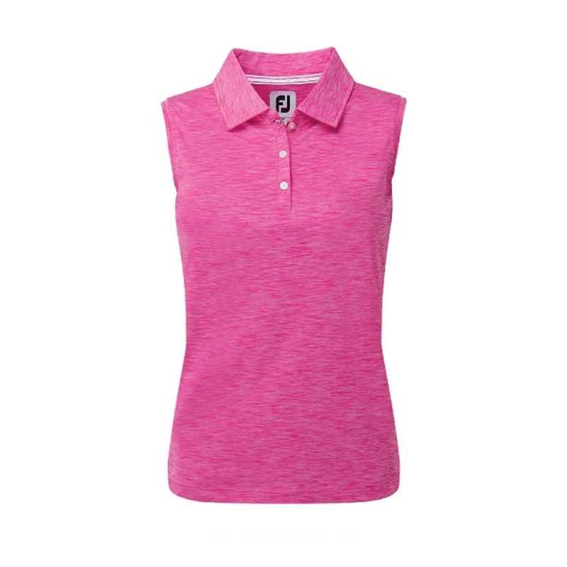 Mẫu áo sát nách tôn lên vẻ tự tin và quyến rũ của nữ golfer