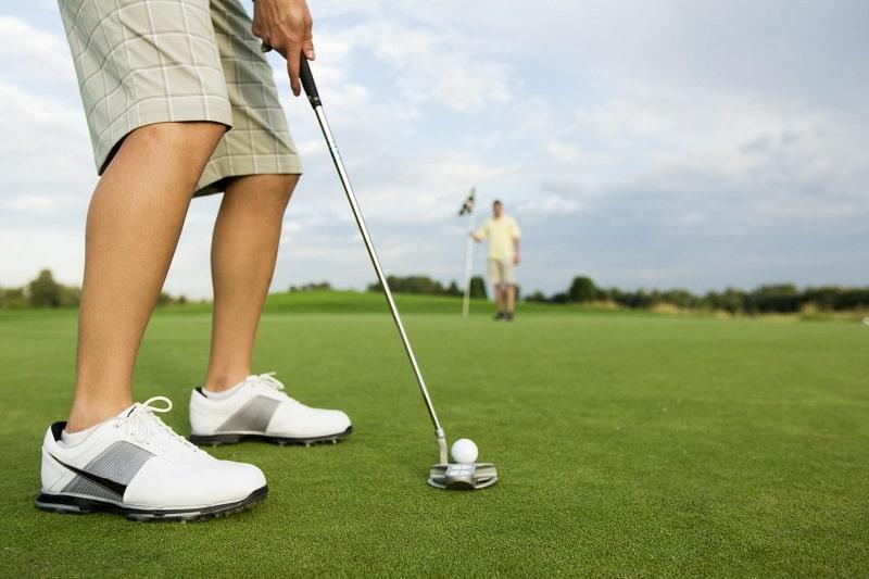 Gậy Putter là gậy golf sử dụng nhiều nhất trong một vòng đấu