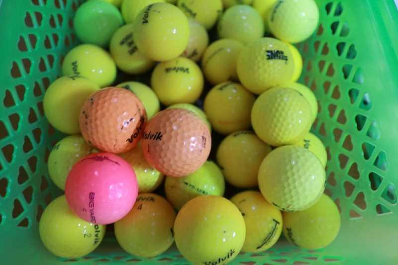 Bóng golf Volvik màu cho  độ xoáy tốt