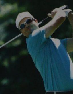 Tay golf nổi tiếng Zach Johnson