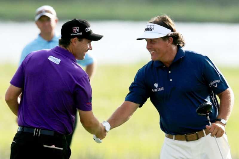 Chơi golf sẽ giúp tạo dựng mối quan hệ làm ăn dễ dàng