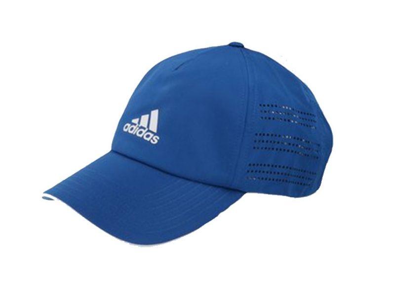 Mũ golf vừa giúp chắn nắng vừa là món phụ kiện thời trang golf thể hiện đẳng cấp