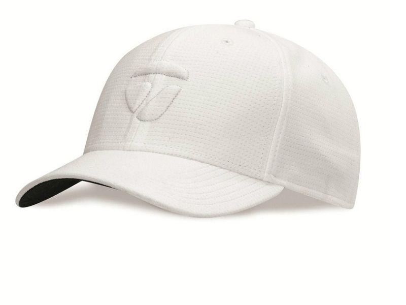 Lựa chọn loại mũ golf vừa vặn, có chất liệu tốt và kiểu dáng phù hợp