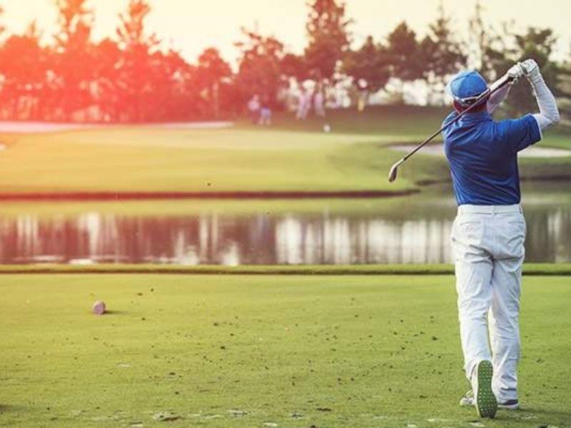 Golfer thuận tay trái cần sử dụng những cây gậy riêng biệt
