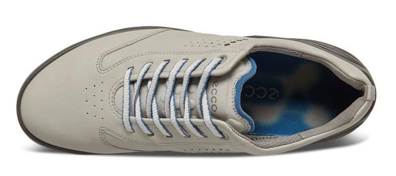 Giày được làm từ chất liệu da cao cấp