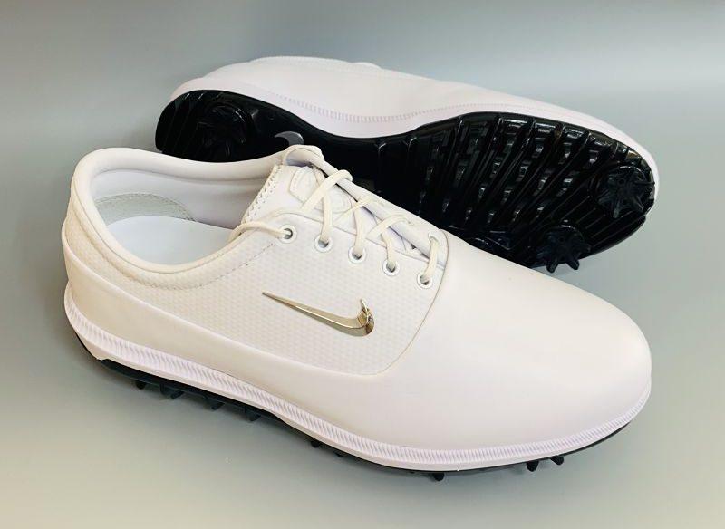 Giày có đường may chắn chắn, tinh té và độ bền cao