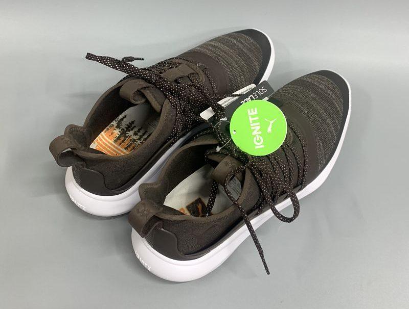Giày có thiết kế bền bỉ, chắc chắn