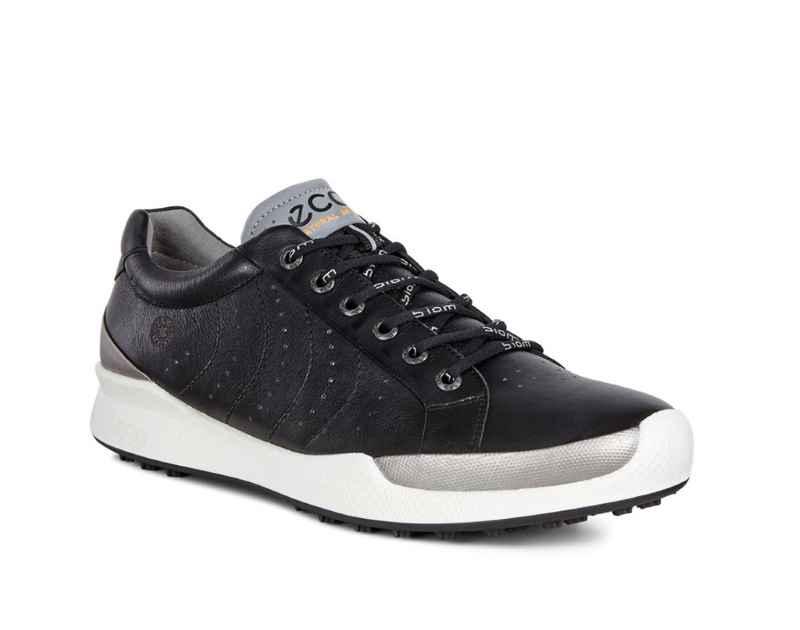 Mẫu giày màu đen khẳng định sự nam tính và mạnh mẽ