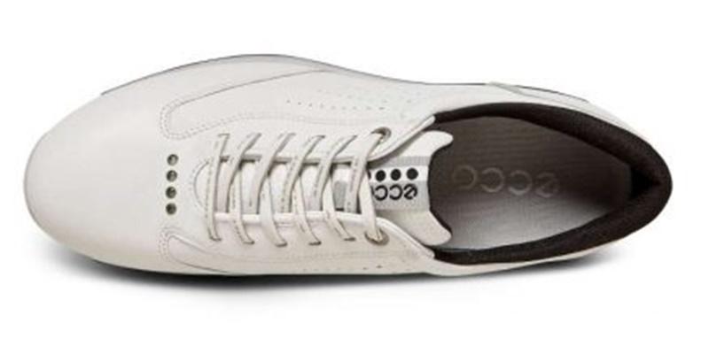 Giày được thiết kế sang trọng, năng động