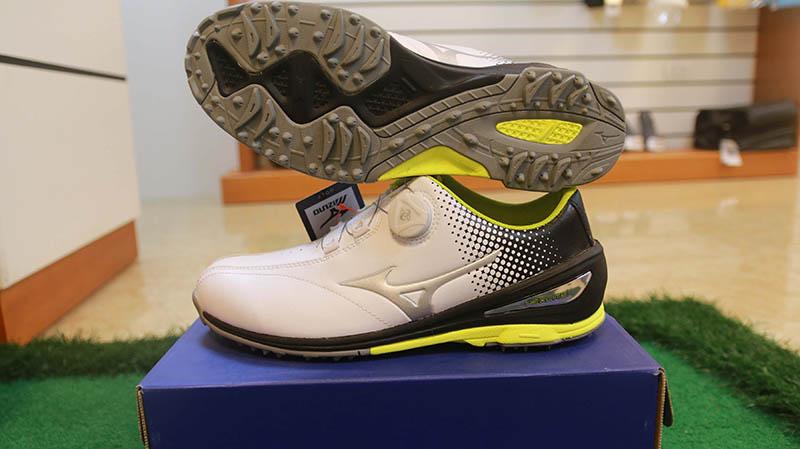 Mẫu giày NEXLITE 004 BOA được đông đảo golfer đánh giá cao về chất lượng