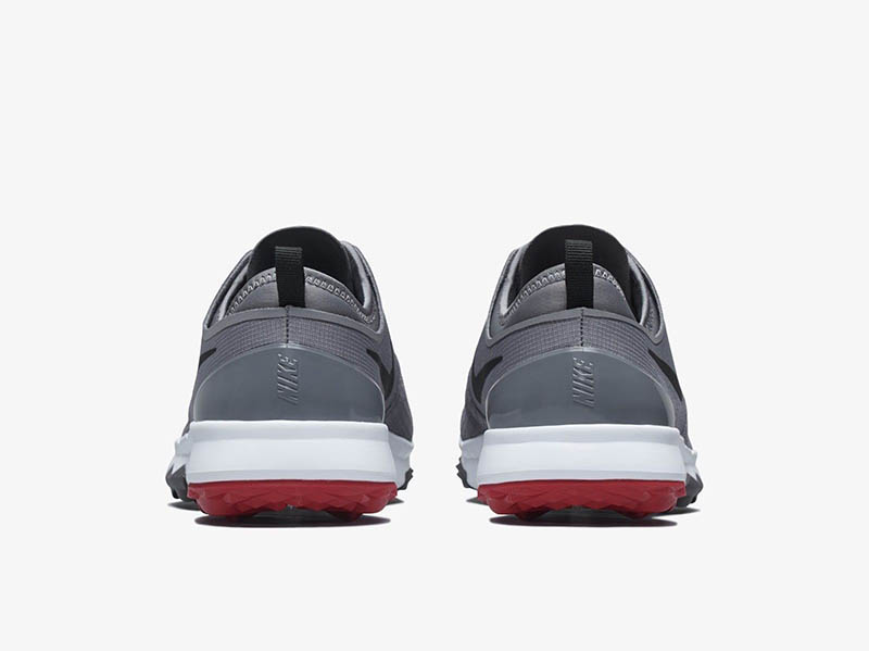 Giày đế cao su cho trọng lượng nhẹ