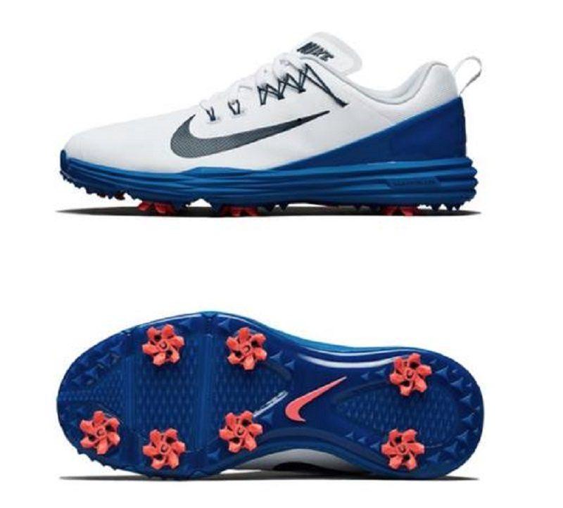 Đế giày được thiết kế đinh CHAMP® PiviX chống trơn trượt