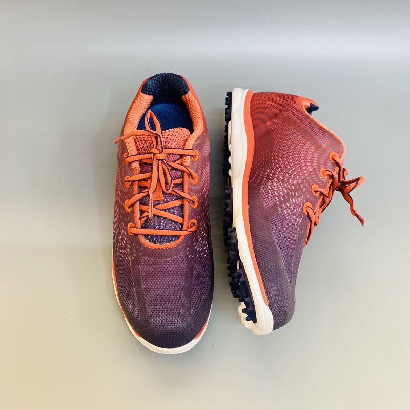 Giày có kiểu dáng nổi bật, màu sắc bắt mắt