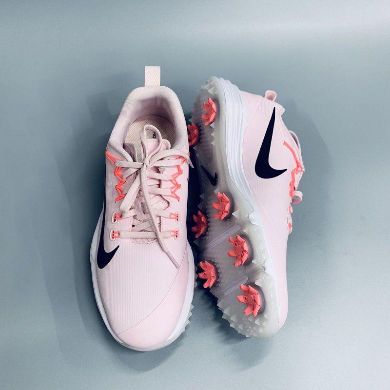 Mẫu giày WMNS Nike Lunar Command 2W dành cho golf thủ nữ