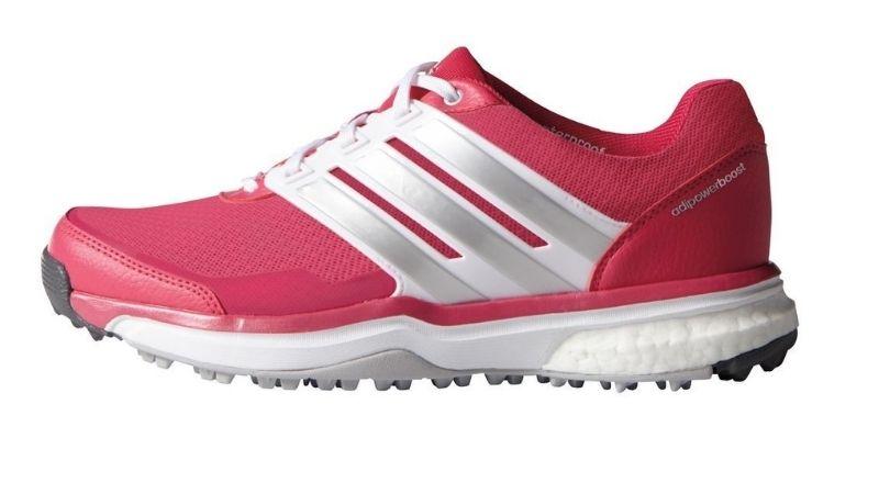 Giày đem đến cảm giá êm chân, thoáng khí và bám mặt nền tốt cho người dùng