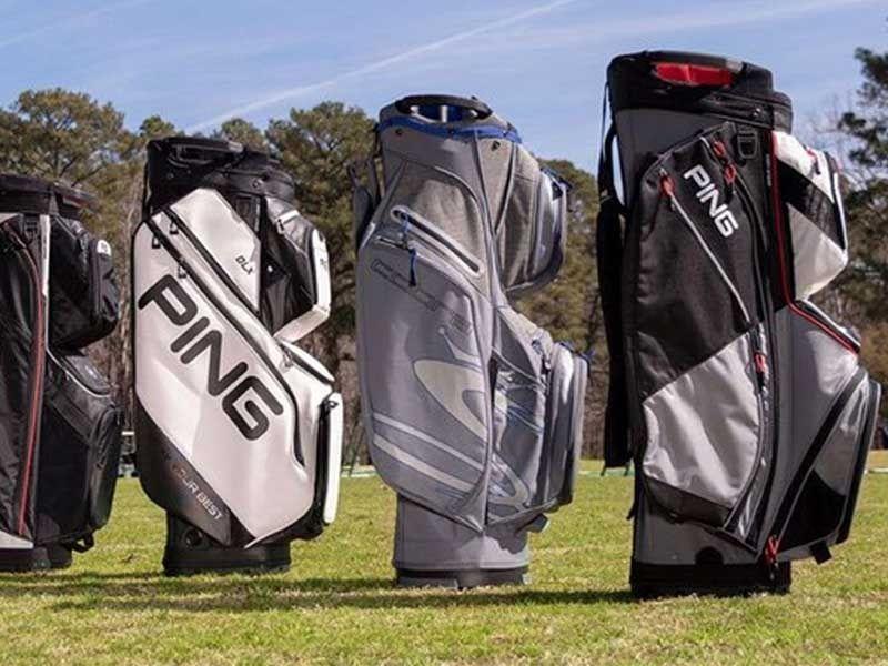 Những chiếc túi golf được sử dụng để đựng và bảo vệ túi gậy