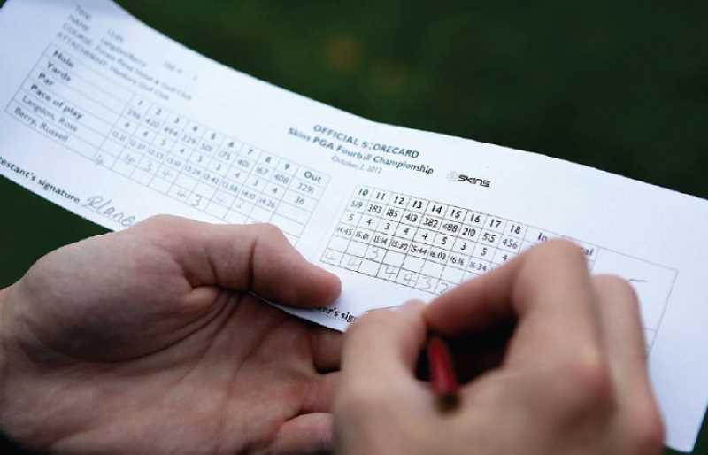 Tùy vào từng hình thức tính điểm mà người thắng cuộc sẽ là người thắng nhiều lỗ hoặc cần ít gậy để hoàn thành đủ lượt