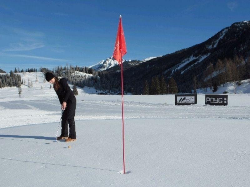 Lựa chọn quần áo golf mùa đông bảo vệ sức khỏe