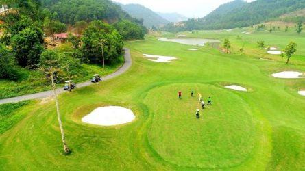 Sân golf 9 lỗ sẽ mang đến cho bạn những trải nghiệm thú vị