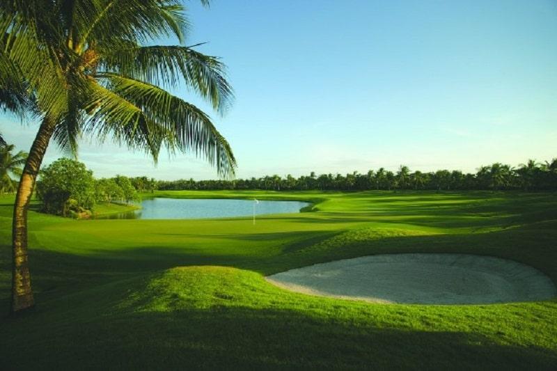 Sân golf có không gian, phong cảnh tuyệt đẹp