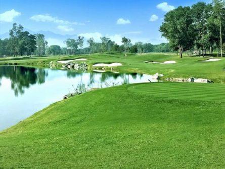 Cảnh quan ấn tượng tại sân golf Đồng Mô