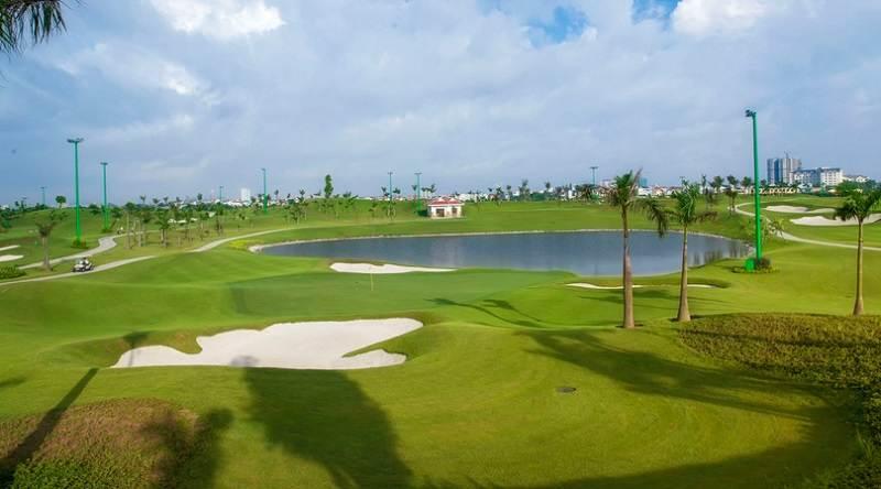 Sân golf Long Biên là sân golf đầu tiên và duy nhất có 27 lỗ