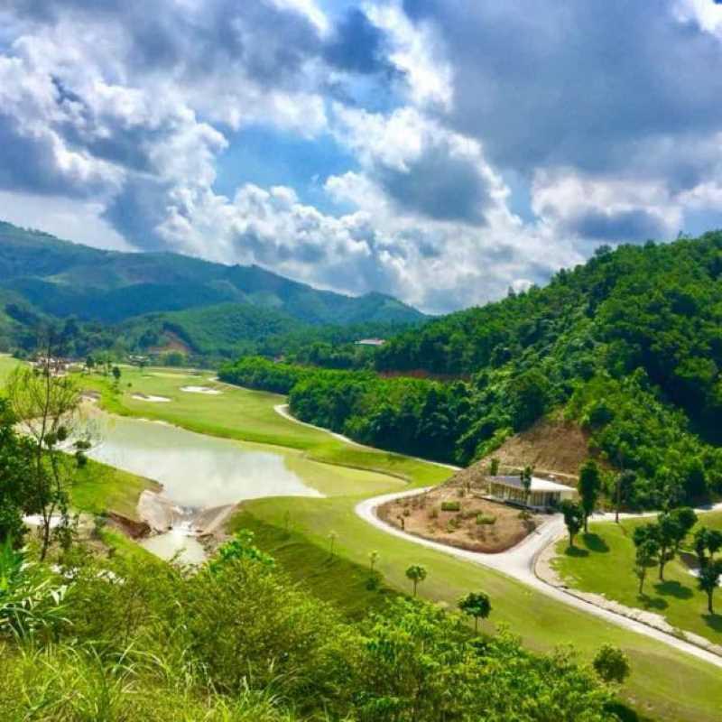 Địa hình thách quanh co thức mọi golfer