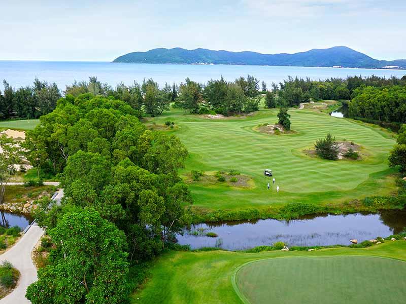 Khung cảnh ấn tượng tại sân golf Huế