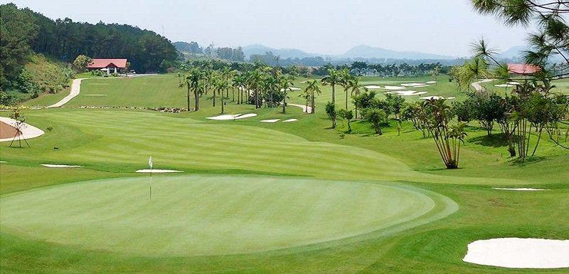 Tràng An Golf & Country Club là địa điểm lý tưởng để chơi golf và du lịch