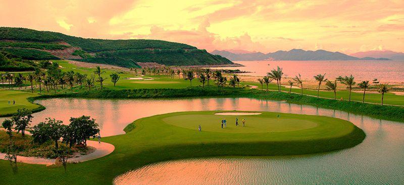 Sân golf Vinpearl sở hữu phong cảnh thiên nhiên tuyệt đẹp
