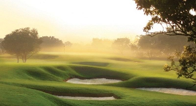 """Sân trang bị 200 bẫy cát """"ma quái"""" thử thách mọi đối tượng golfer"""