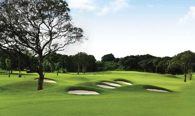 Không gian tuyệt đẹp của sân golf Nhân Sư
