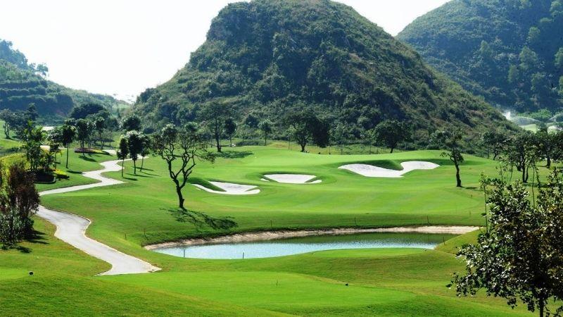 Sân golf Hoàng Gia là địa điểm yêu thích của các golfer