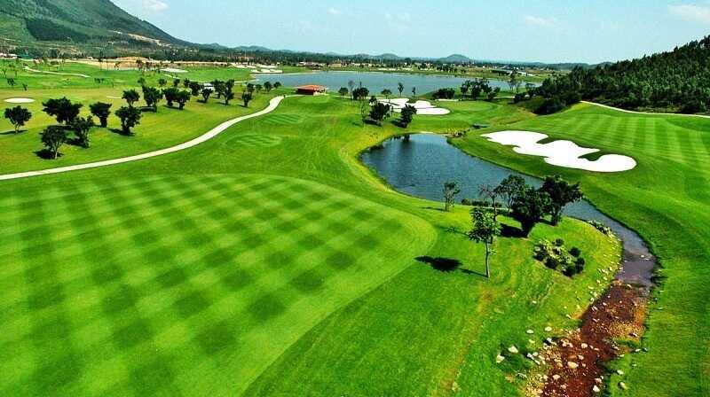Sân golf Tam Đảo được thiết kế đúng tiêu chuẩn quốc tế