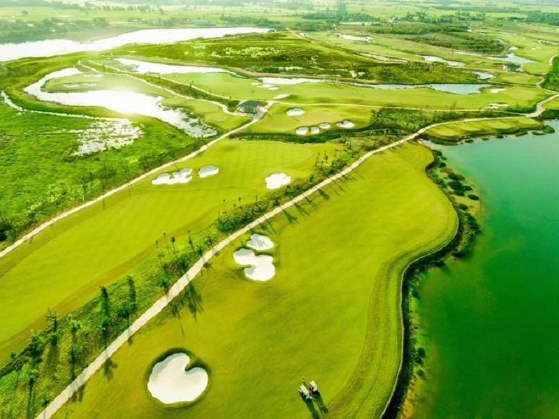 Sân golf đẳng cấp nhưng vẫn giữ được vẻ đẹp riêng biệt của miền Tây sông nước