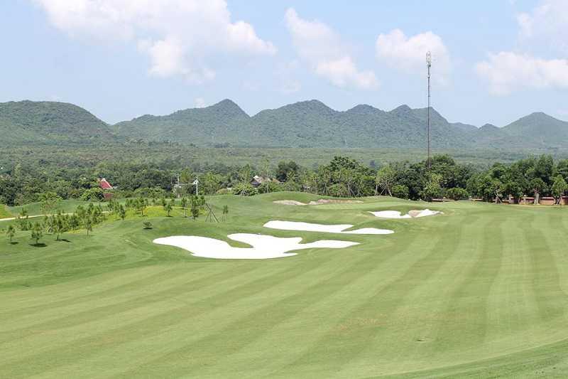 Sân golf Tràng An Golf & Country Club