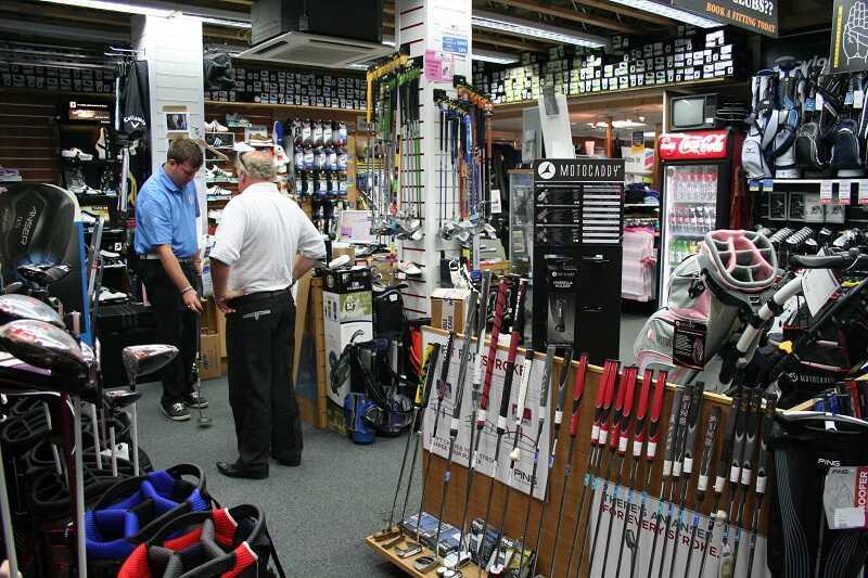 Mua gậy golf cũ tiết kiệm chi phí