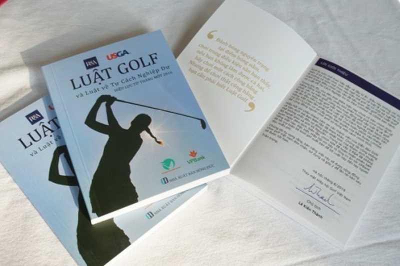 Tìm hiểu về golf qua những cuốn sách về luật chơi