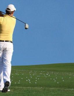 tư thế chuẩn khi đánh golf
