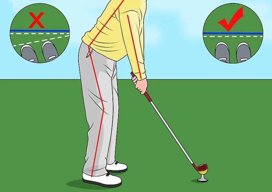 Mũi chân của bạn song song với đường thẳng trên mặt đất khi setup
