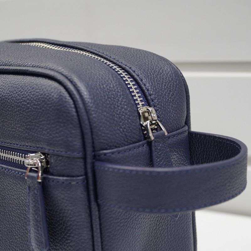 Chiếc túi đơn giản nhưng cầu kỳ từng chi tiết