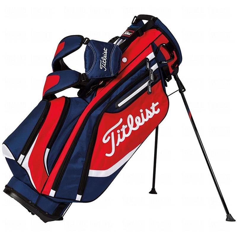 Túi đựng Titleist Lightweight Stand Bag có chân đứng rộng rãi, chống đổ cực tốt