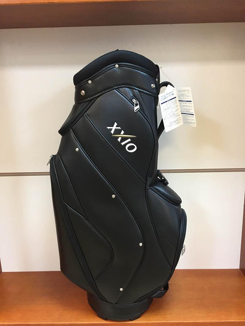 Túi XXIO màu đen sang trọng