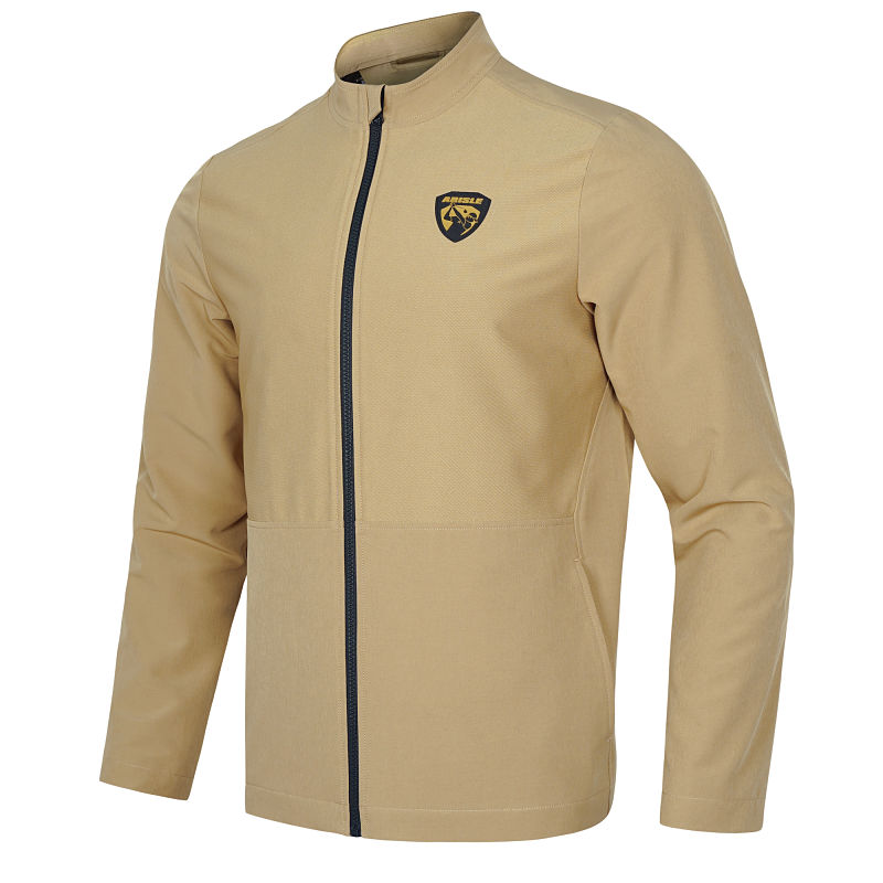 Áo khoác golf nam giúp gôn thủ giữ ấm và chống nắng cho cơ thể