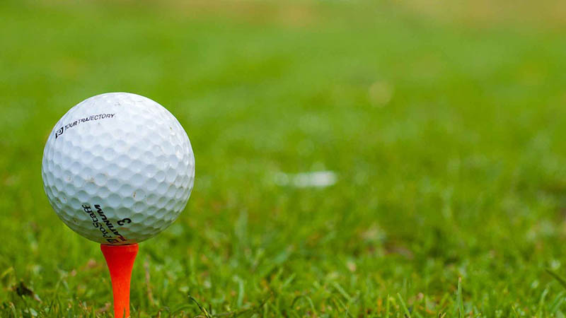 Một quả bóng golf tốt se cho những cú đánh chất lượng